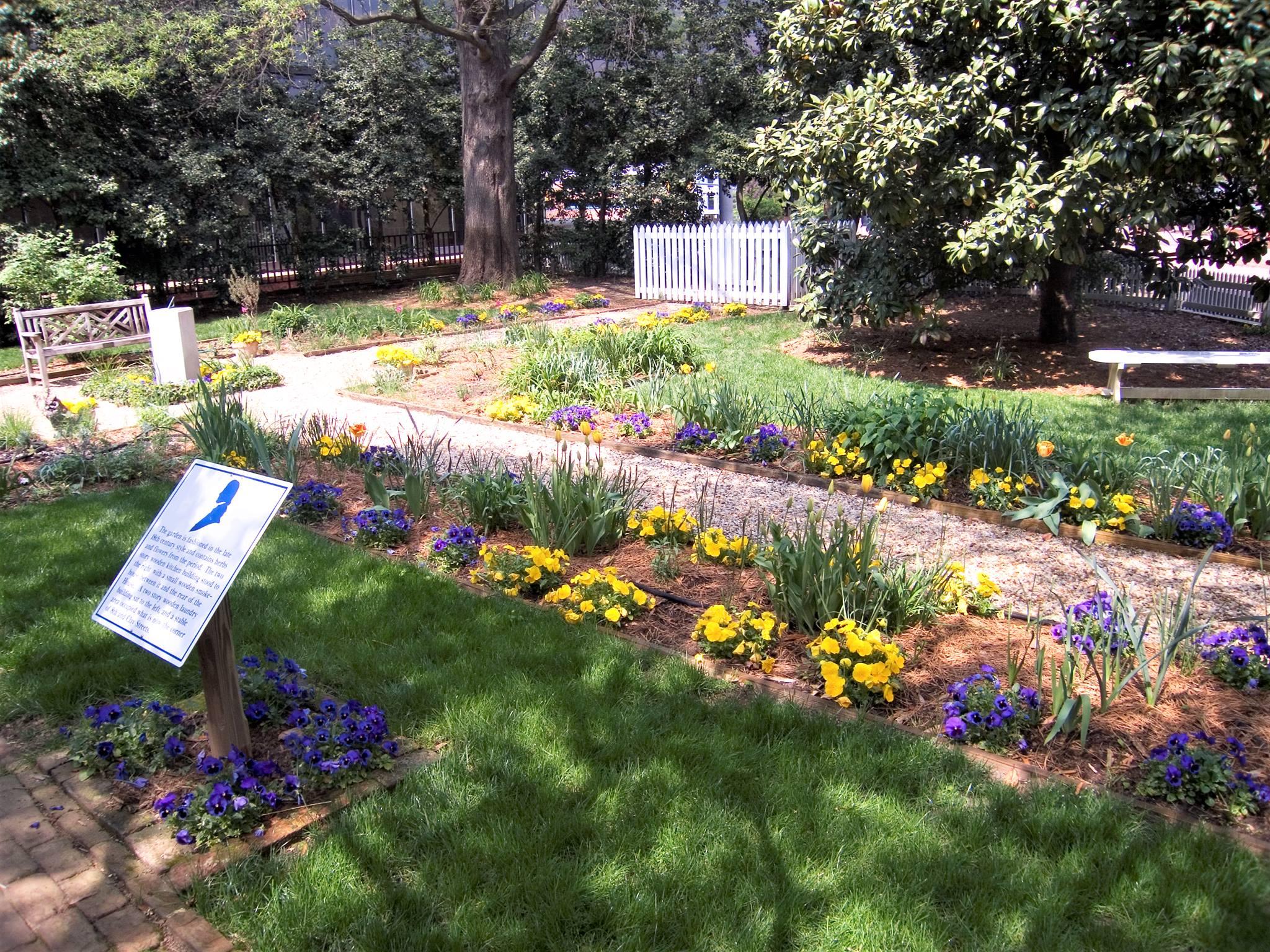 John Marshall House garden